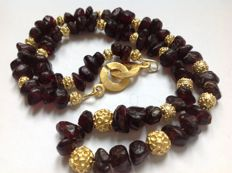 Necklace with Achaemenid garnet beads - 64 beads - 45 cm