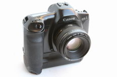 CANON EOS 1 + motor drive and lens