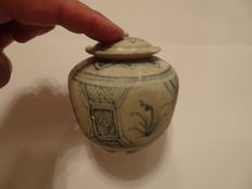 A Chinese blue and white porcelain medicine holder vase with flower decoration and cover  -  95 x 86 mm