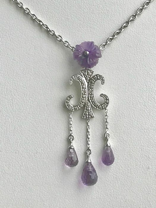 Necklace with pendant made of 18 kt gold and with an amethyst – 50 cm