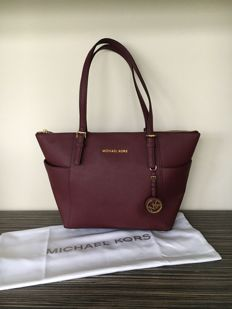 Michael Kors - Jet Set zip top tote -  *No Minimum Price*