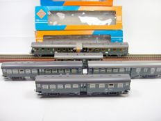 Roco H0 - 4201/4202/4203/4251/4253/4255 - A lot with 6 carriages of the DB
