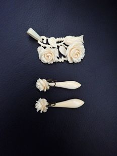 'Erbacher Rose' Germany - Art deco large carved bone pendant and a pair of long silver and bone earringdrops with beautiful roses