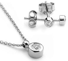 Pendant, Necklace and Earring Set. 0,11 ct Diamond. 14K White Gold