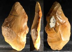 Acheulean hand axe Pai34 of 180 mm