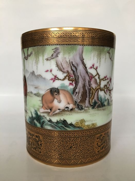 Pen container decorated with gold coloured enamel and horses - China - late 20th century