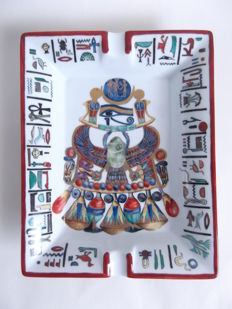 Hand painted ashtray in porcelain from Limoges with Egyptian motif