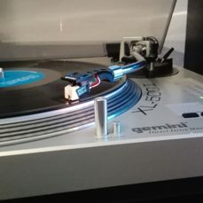 GEMINI XL 500 II turntable with a STANTON stylus