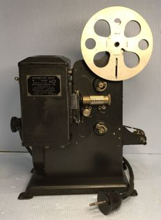 Kodascope Eight model 40 home movie cine projector 1932 for 8 mm film