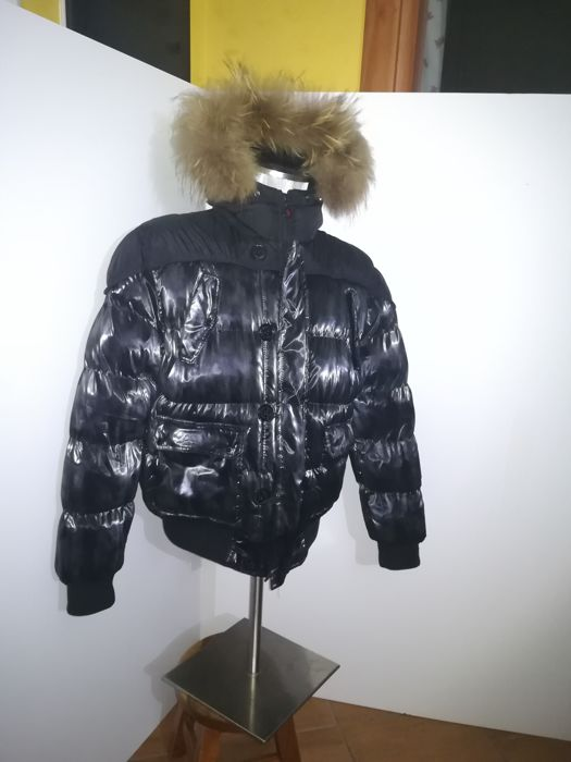 f658904b3c11 Moncler - Down jacket with hood - Size 3 - No Reserve - Catawiki