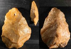 Acheulean hand axe Pai48 of 120 mm