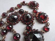 Antique Victorian tombac collier necklace with Bohemian garnet stones 1900