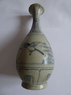 A Chinese blue and white porcelain vase with birds in a landscape decoration - 215 X 95