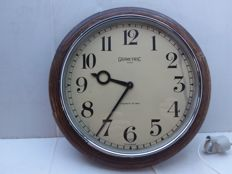 English Wall clock - garnetric - around 1950.