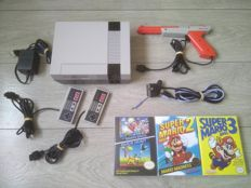 Nintendo NES console with RGB Mod - with 2 controllers, Zapper & Super Mario Bros 1, 2, 3, Duckhunt