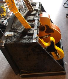 New Catfish guitar stand for max. 6 guitars, can be store as a suitcase