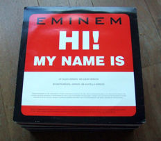 Massive collection of 44 Hip-Hop / R&B vinyl records. Eminem, Puff Dady, Outkast, Jay-Z and many more...