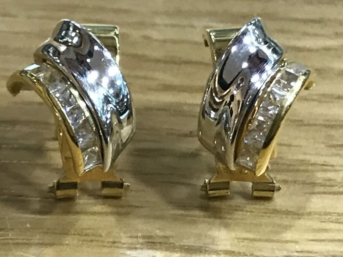 Bi-colour 18 kt Gold Earrings and Pave of Zircons - Measurements: 16 mm x 9 mm