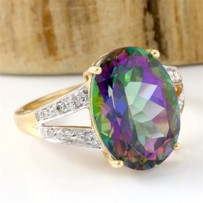 14 kt Yellow Gold 12.50 ct Synthetic Mystic Topaz, 0.10 ct Diamond Ring; Size: 5
