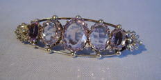 Victorian brooch with amethyst glass (total of 26 ct) and genuine small freshwater pearls