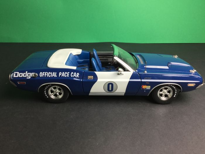 DODGE Challenger Ontario Motor Speedway PACE CAR Greenlight 1:18 NUOVO