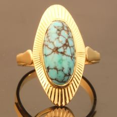 Funky Fifties gold ring with a big Turquoise