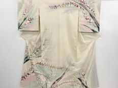 Antique silk kimono with exquisite decoration of  beautiful pattern - Japan - Mid 20th century