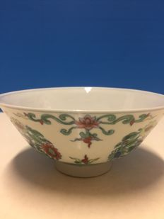 Porcelain bowl - China - second half of 20th century
