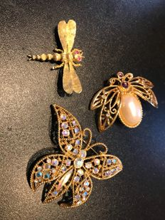 vintage rare collection of Signed bug brooches Schiaparelli Avon Kirks folly