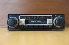 Sanyo F-8562 V classic Japanese for USA cars from the 1980s