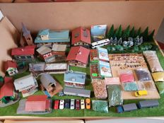 Faller/Kibri/Pola/Herpa/Wiking/Busch/Efsi/Rietze H0 - With the Niedlingen station, Buildings, cars, figures, animals, trees and other accessories