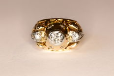 Art Deco tank ring in 18 kt yellow and white gold, set with antique-cut and rose-cut diamonds