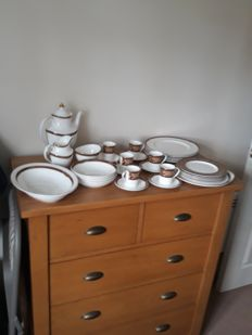 Royal Doulton, Tennyson Coffee and dinner set