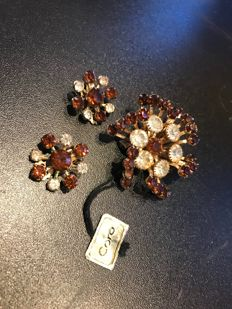 vintage rare coro brooch and earrings set with crystals with original label