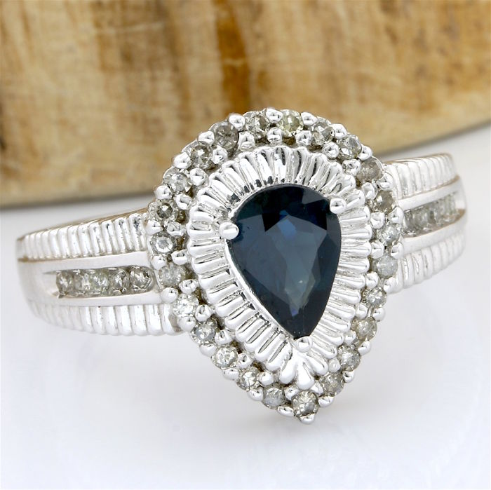 14 kt White Gold 1.00 ct Sapphire, 0.50 ct Diamond Ring; Size: 7