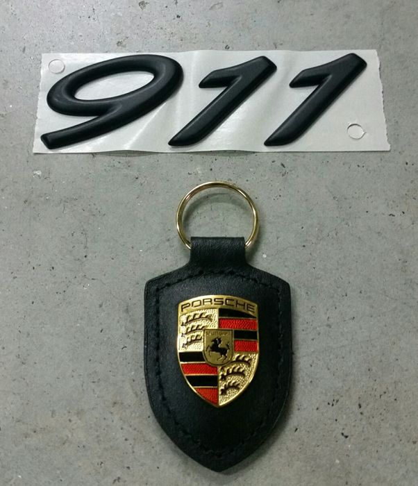 Original Porsche 911 lettering with leather keyring - Catawiki