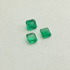 Lot of 3 Emeralds, 1.02 ct (Total)