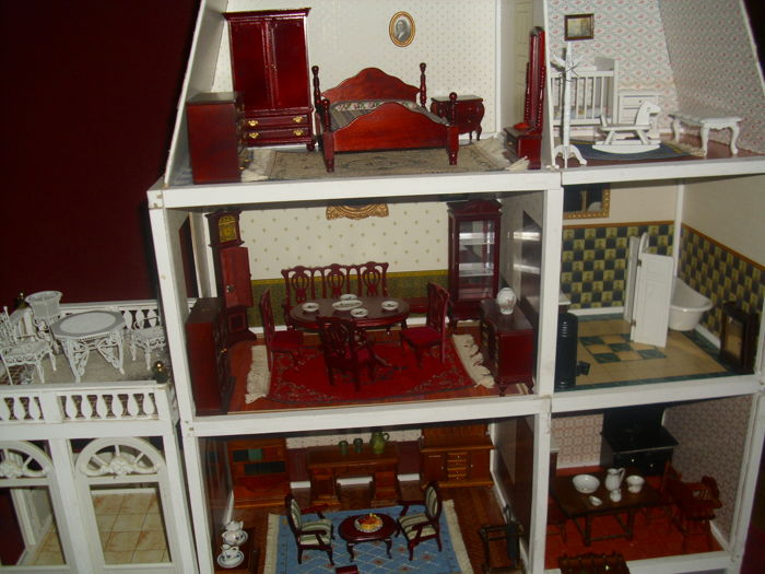 Antique Doll's House - Doll's House Furniture - Antique Doll's House - Doll's House Furniture - Catawiki