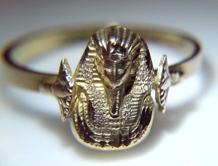 Hand made 750/18K gold ring with Sphynx bust/ great craftsmanship with fine details