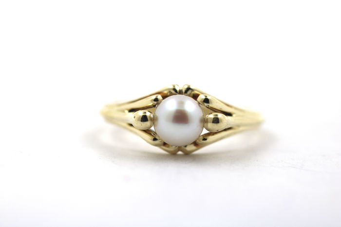 Ring made of 585 gold with Akoya cultivated pearl - size 55