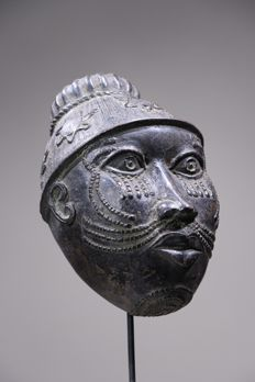 Bronze commemorative mask - BENIN, BINI EDO - Nigeria