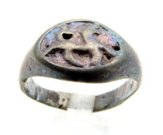 Viking Silver Seal Ring with Dragon Fafnir Motif - Wearable gift with gift bag - 18mm