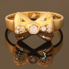 Cute Diamond gold bow shaped ring