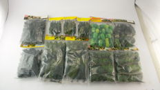 Busch/Heki/Noch H0 - 6487/6489/6487/26312/2191/6472/26300 - 11 bags with trees. 345 pines and deciduous trees of different types and sizes