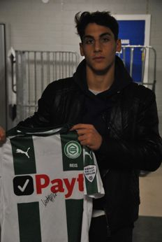 Signed and worn match shirt of Ludovit Reis