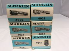 Märklin H0 - 4022/4023/4026/4044 - 4x express train passenger carriages and 2x baggage carriage of the DB (2563)