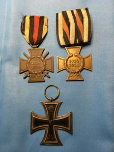 Small WW I Collection Iron Cross, 1914 edition and 2 War Merit Crosses 1914-18