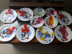 Disney - 11 ceramic plates - Mickey Mouse & Co