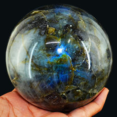 "Blue Flash Labradorite ""healing ball"" - 104 mm - 1496 gm"