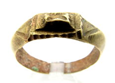"Medieval Viking Ring with ""x"" on the bezel - Wearable - 23mm"